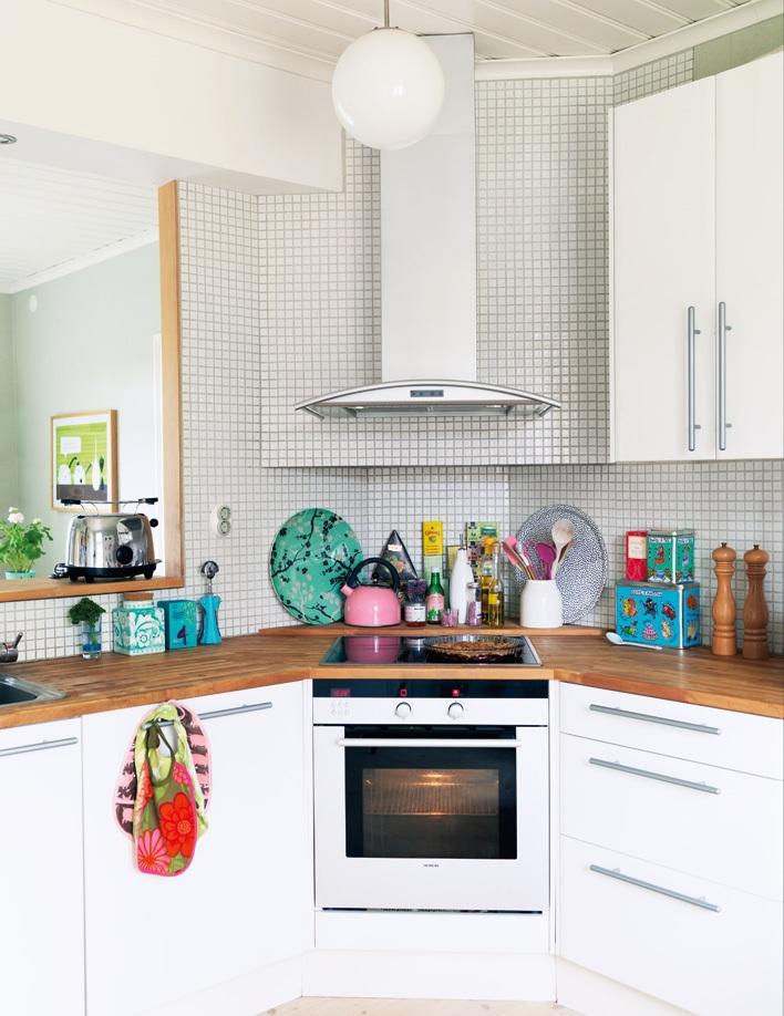 Маленькая кухня угловая плита дизайн
